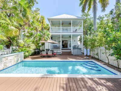 ~ SEA VISTA ~ On the Gulf w/private DOCK, Pet Friendly, Pvt Pool & Parking