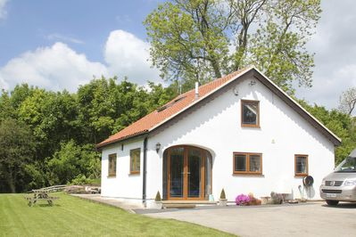 This is the 2 bedroomed detached holiday cottage with parking and wifi.