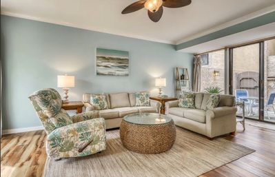 Photo for Stunning 4BR/4BA villa in the heart of Harbour Town
