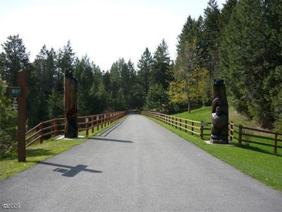 The private entrance to the estate is guarded by two giant totem bears.