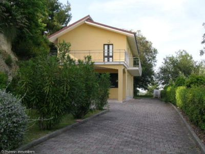 Photo for Villa in the countryside just steps from the sea