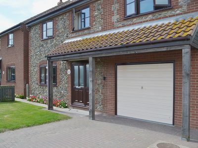Photo for 4 bedroom accommodation in Sea Palling