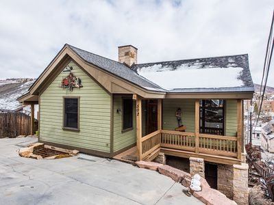 Fantastic Location just steps to skiing/Main St