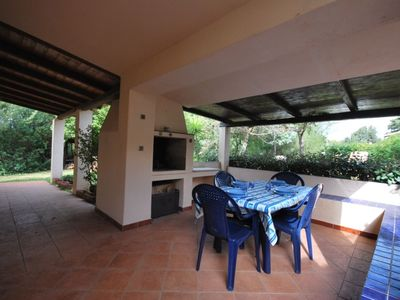 Photo for Independent villa in residence with swimming pool just steps from the beach