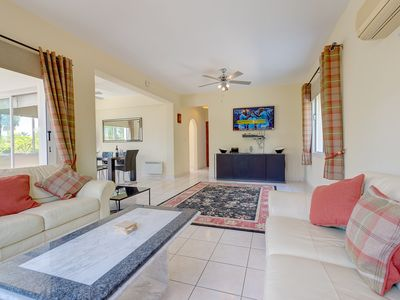 Photo for Luxury Spacious Villa Private Pool + WIFI  Prime Location Only 100m To Amenities