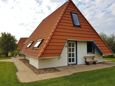 Photo for Comfortable 4-star level house directly on the North Sea dike, family friendly