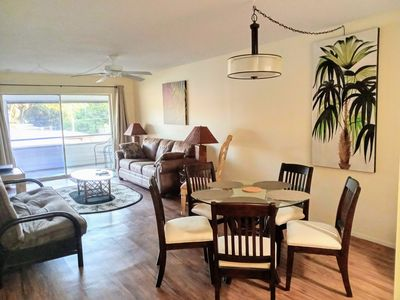 Photo for Near Siesta Key, King beds, Screened Lanai Patio, covered parking, New furniture