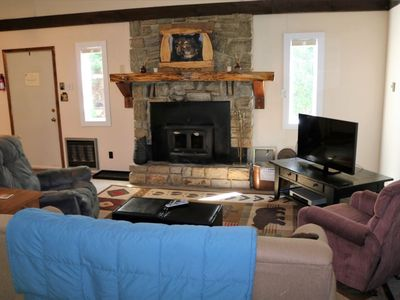Photo for Cozy 5 Bedroom Mountain Home on Sugar Mountain