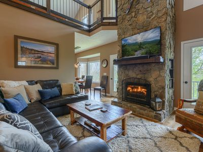 Photo for 4BR, Hot Tub, Pool Table, Views, 2 King Suites, App Ski Mtn, Minutes to Boone, Blowing Rock
