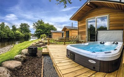 Photo for Riverside Lodge (The Isla with spa pool)