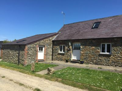Photo for Cottage sleeping up to 6 in 3 bedrooms, peaceful. 1 mile to Newport Town Centre