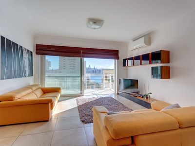 Photo for Fabulous Apartment With Pool, Upmarket Area