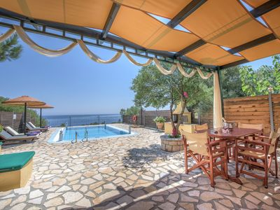 Photo for Amazing 2bedroom villa with private pool and sea view
