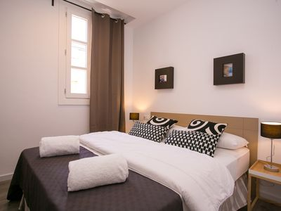 Photo for Comfortable apartment, ideal for families, near Plaza España