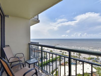 San Luis 1035: Stunning Views from Both Private Balconies! FREE ATTRACTION TICKETS!