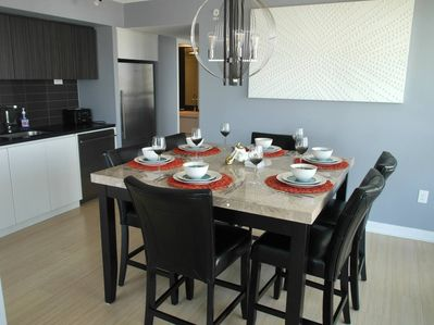 Enjoy great meals at this dining table that seats up to six guests