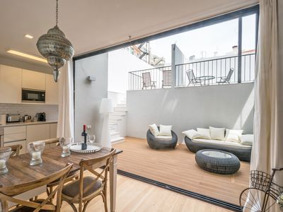 Photo for Gulbenkian 2 bedroom with private garden
