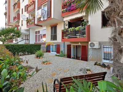 Photo for Apartment 1660/17220 (Istria - Porec), Family holiday, 240m from the beach