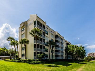 Photo for ESSXS402 - Beautiful 2 bedroom condo on south end, close to beach