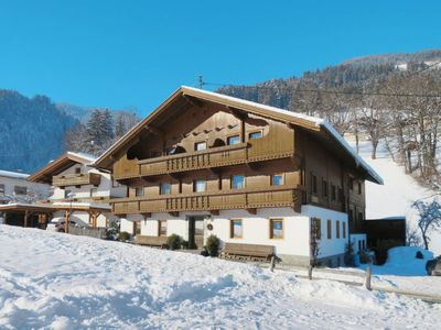Photo for Apartment Ferienwohnungen Schusterhäusl (MHO756) in Mayrhofen - 12 persons, 5 bedrooms