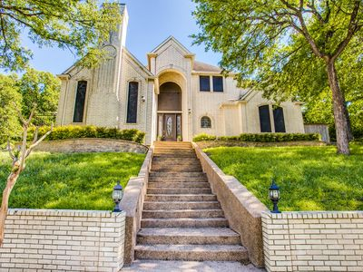 Photo for Beautiful Home With Pool Near Cowboys Stadium and Six flags