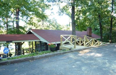 Artist Lake Loft and Gallery. Peaceful and Private. A true lake retreat!