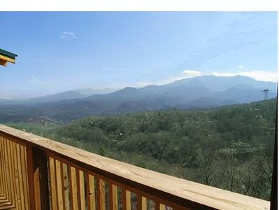Photo for Come to the smokies and stay in Smokerise Lodge. The whole family can spend time