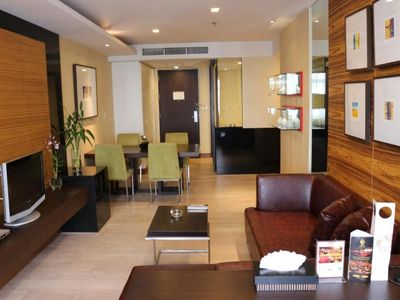 Photo for Apartment with 2 Bedrooms in heart of Bangkok (TWB-2)