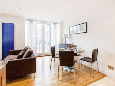 Photo for Large Flat Minutes to London Eye! - One Bedroom Apartment, Sleeps 4