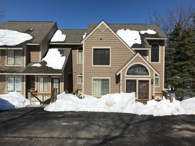 Relaxing Spring Condo w/ a Great View of Hidden Valley Resort - Golf/Hike/Swim