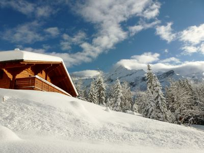 Photo for Beautiful sunny chalet, high comfort, directly on the slopes