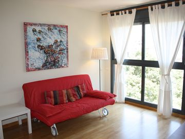 Apartment modern, bright and well connected