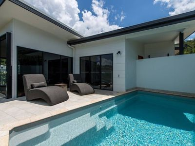 Photo for Luxury Home with Private Pool, 5 mins walk to Airlie Beach Centre