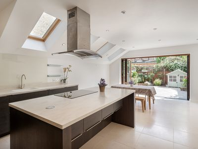Photo for Stunning 4 Bed House w/Garden in Clapham South