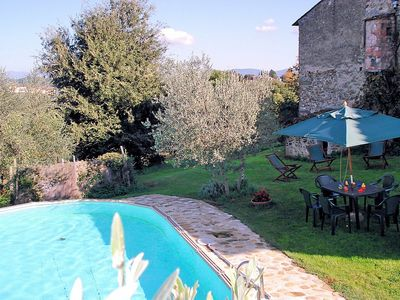 Photo for Villa Gentile: A pleasant and spacious ancient tuscan country house made of stone.