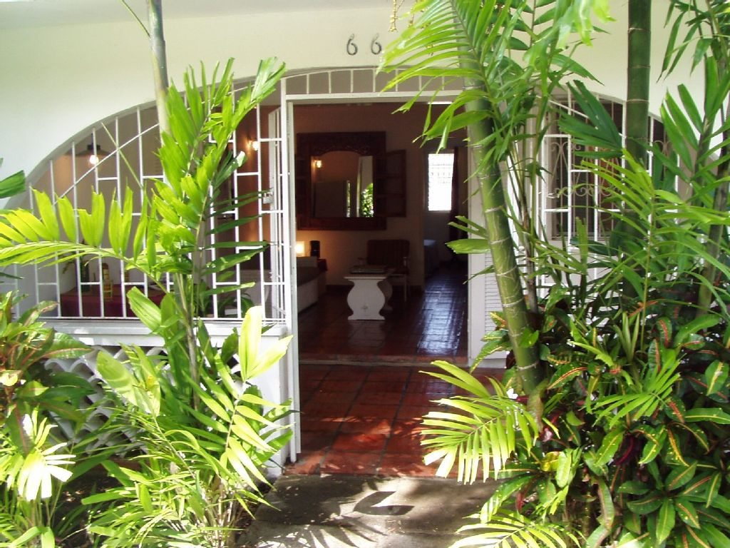 Smart One Bedroom Self Catering Apartment In Holetown Saint James Barbados Vauxhall Saint