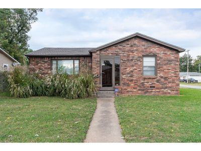 Photo for Beautiful Brick home 5 mins from Downtown!