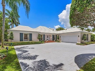 Photo for Amazing waterfront 4br/4ba estate in Gulfstream