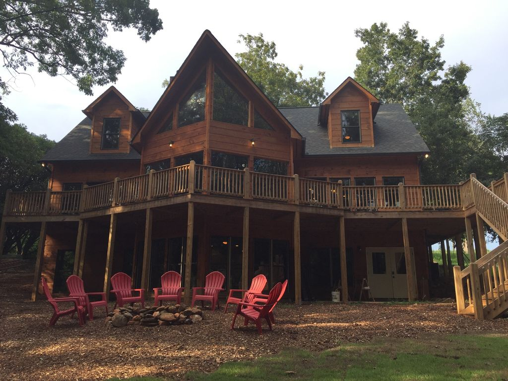 al avalon all rentals living deep built custom easy year georgia home long waterfront river cabins property in water lavonia cabin lake hartwell tugaloo lm w