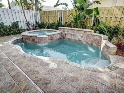 Photo for Walk To Everything Townhome With Heated Pool!  Only 2 Blocks To Beach!