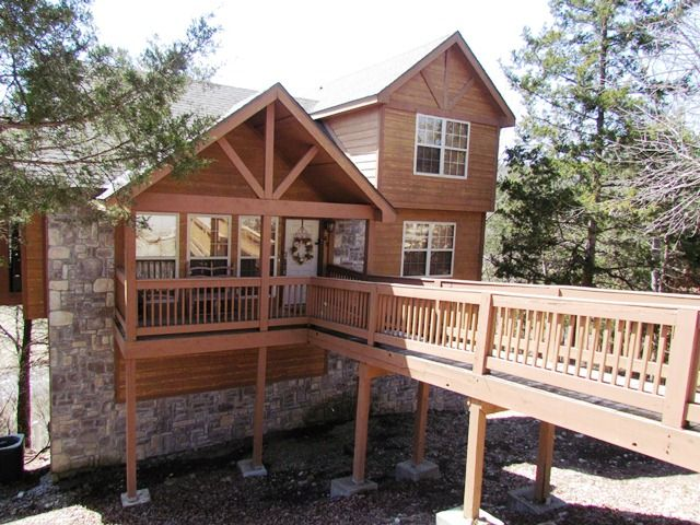 Whispering woods lodge 2 bedroom 2 bath vrbo for Whispering woods cabins