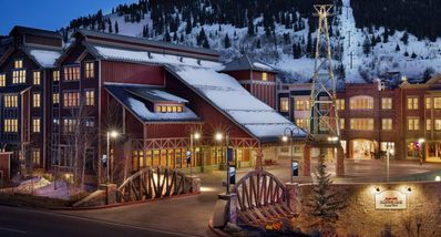 Photo for Ski-in/out 2-bedroom at Marriott Summit Watch (Heated Pool, Hot Tub, Game Room)