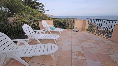 Photo for Le Bateau - 4 people - Beachfront - Air conditioning - WiFi - Sainte Maxime