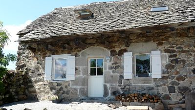 Photo for Charming cottage - Park volcanoes of Auvergne - 3 *