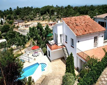 Photo for 3 bedroom Villa, sleeps 5 in Lloret de Mar with Pool and WiFi