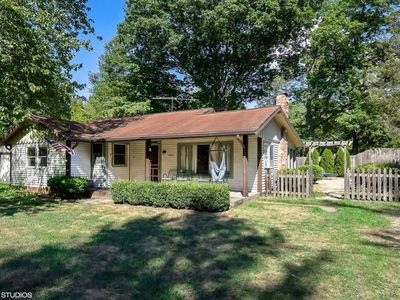 Awesome Harbor Country Cottage - Close To Everything!