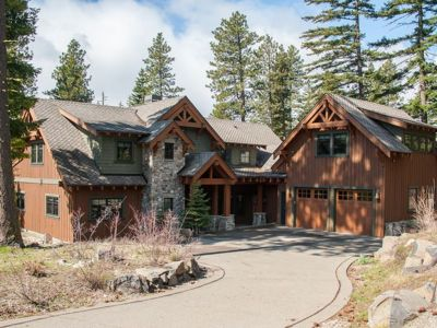 Luxury 5BR Lodge in Suncadia, Sleeps 20+, with Pool Access, EV Charger
