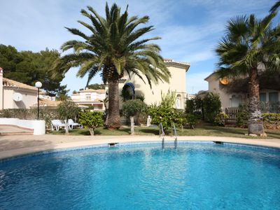 Photo for Romantic, modern, close to town villa with beautiful pool area