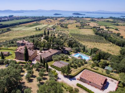 Photo for Villa Tramonto sul Lago, just 2km away from Lake Trasimeno, with private pool