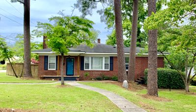 Photo for Brick Ranch - close to downtown/USC & Ft. Jackson
